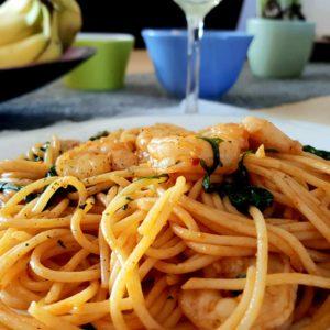 Spaghetti met Knoflookgarnalen in tomatensaus